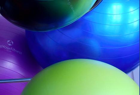 Bildausschnitt von 3 Gymnastikbällen